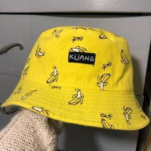 Reversable banana bucket hat